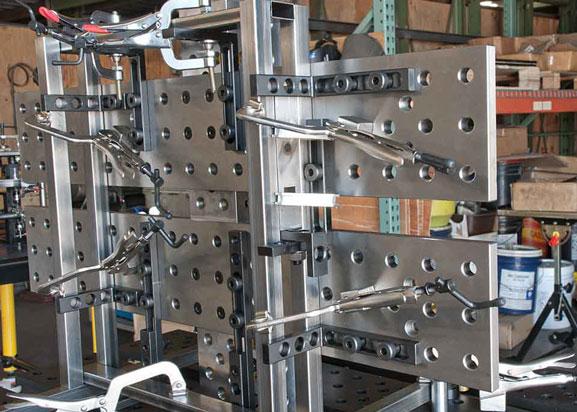 Приклад побудови збирально-зварювальних кондукторів-стапелів за допомогою монтажних плит та універсальних збиральних пристосувань